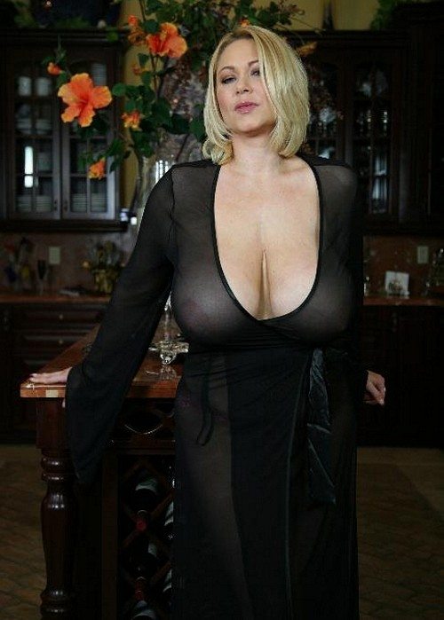 русская зрелая дама в сексуальной одежде